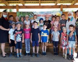 Вместе со «Школой юного пешехода» бердские дошкольники из Новосибирской области изучают правила дорожной безопасности